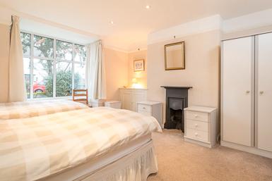 Three Twin Bedrooms Short Rental Hale