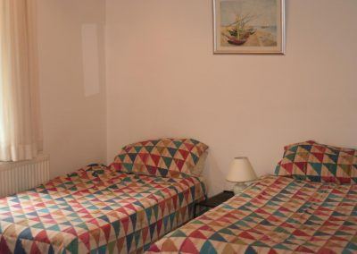 Twin bedded room short rental Altrincham
