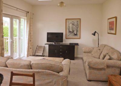 4 bedroom, 3 bedroom and 2 bedroom accommodation - Short Rentals